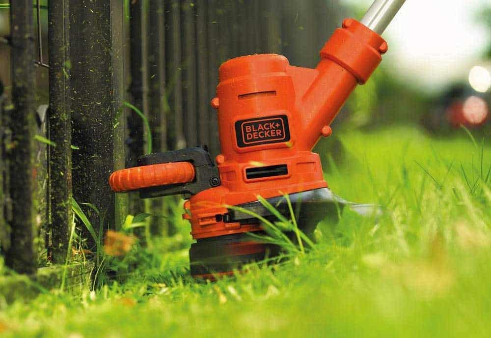 Best Lightweight Weed Eater: The Top 5 Reviews & Buying Guide 2018