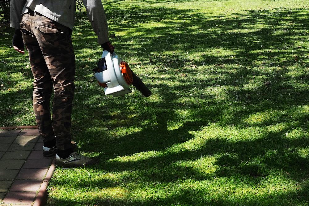 best lightweight cordless leaf blower