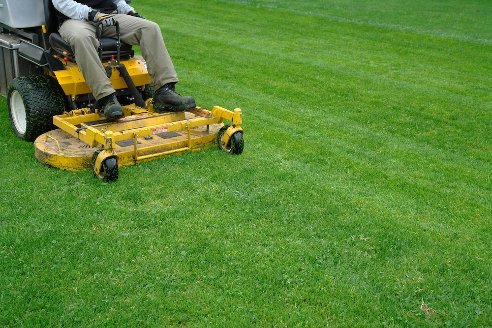 can a lawn mower get wet when in use